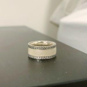 Hearts of Pandora White/silver enamel ring